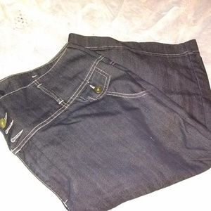 Venezia Black Plus Size Capri Jeans Shorts 22